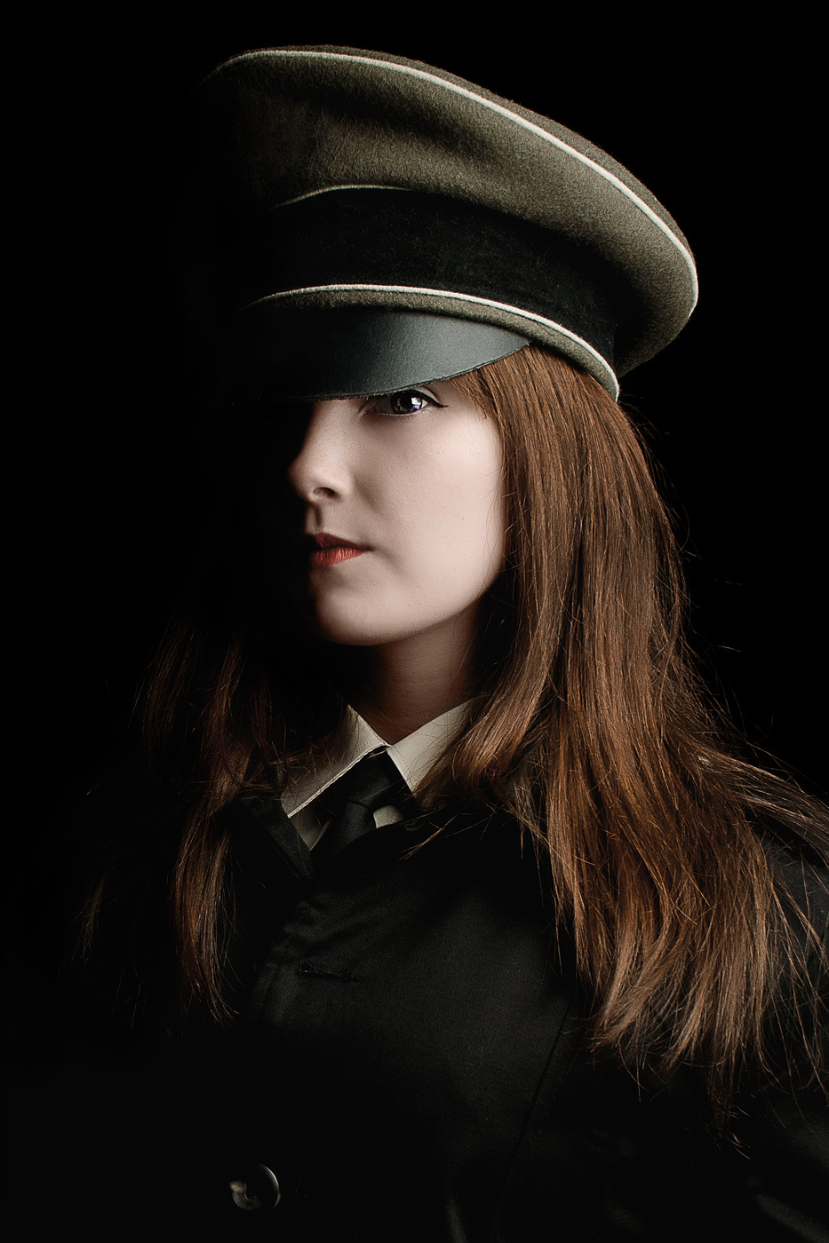 Девушка фашистка фото